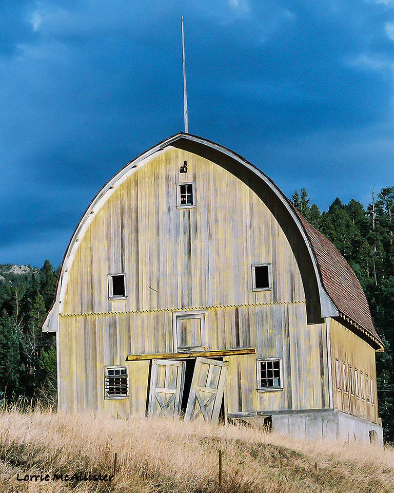 Yellow Barn at Bradford Junction